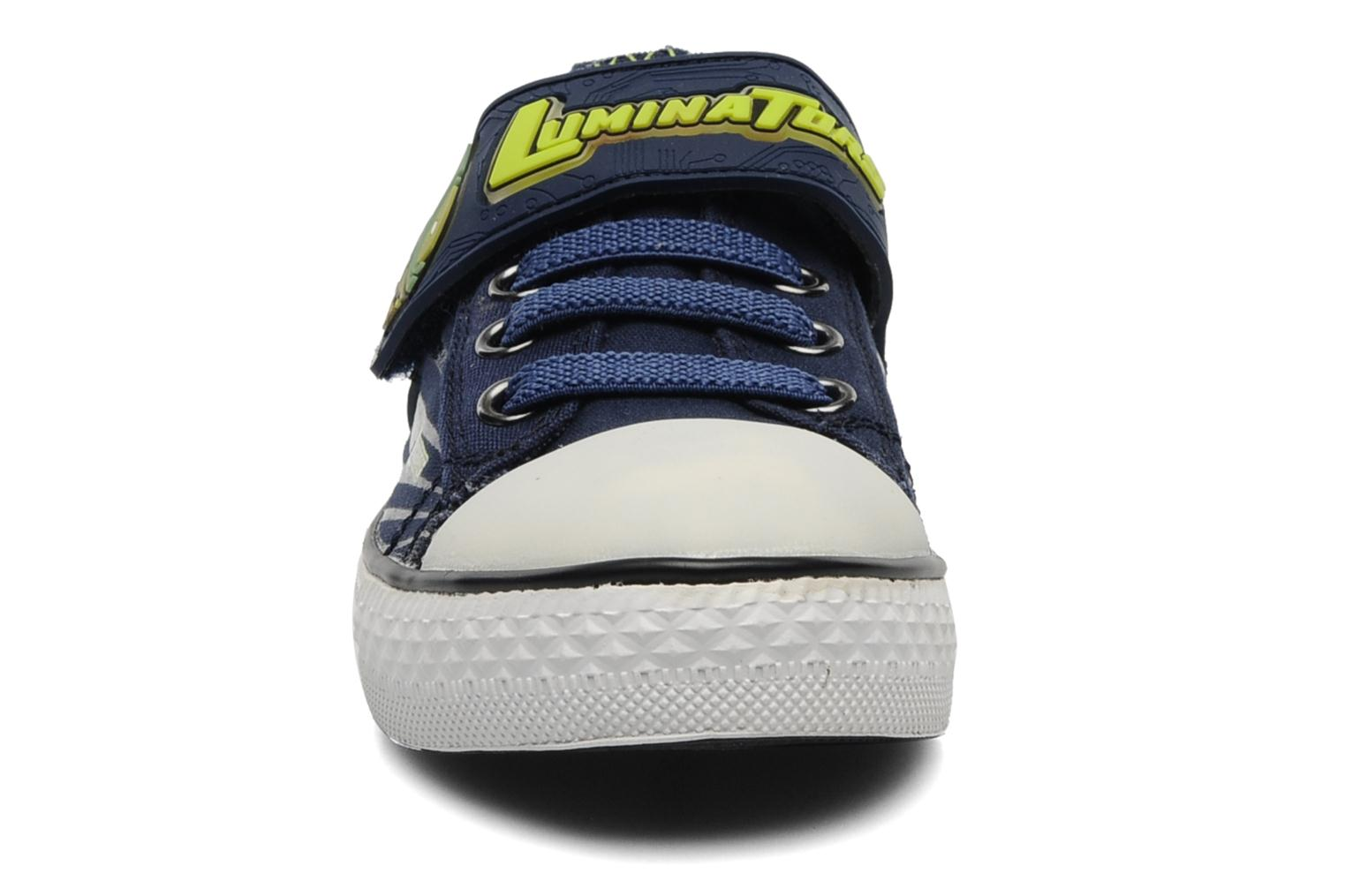 Baskets Skechers Stoked-Roswell - 90428N Bleu vue portées chaussures