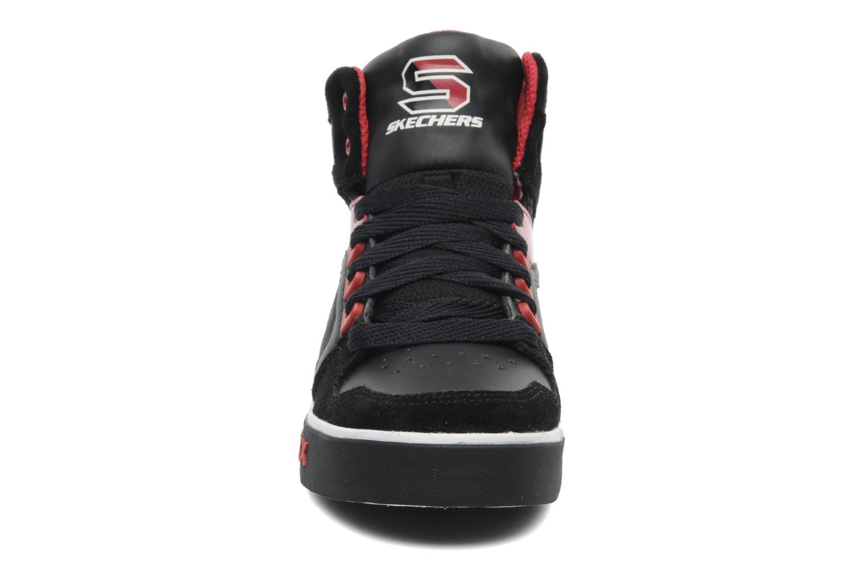 Baskets Skechers Yoke - 91480L Noir vue portées chaussures