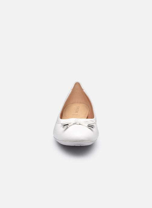 Ballerines Geox D CHARLENE B Blanc vue portées chaussures