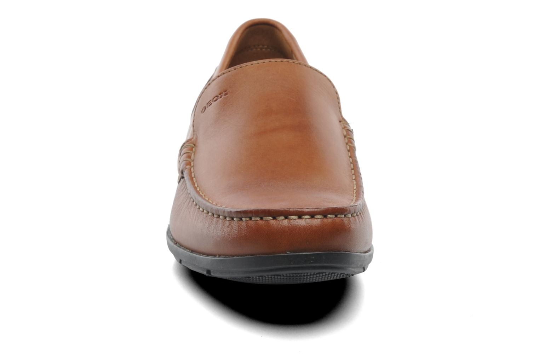 Mocassins Geox U SIMON A U32Q3A Marron vue portées chaussures