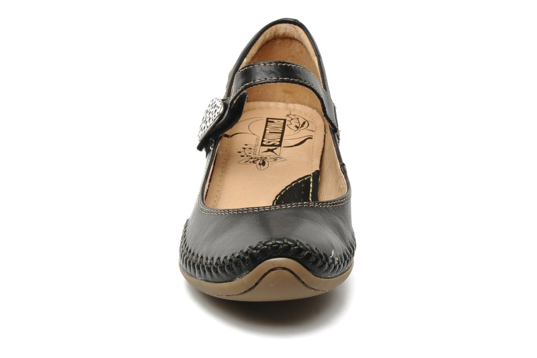 Escarpins Pikolinos Tabarca 8812 Noir vue portées chaussures