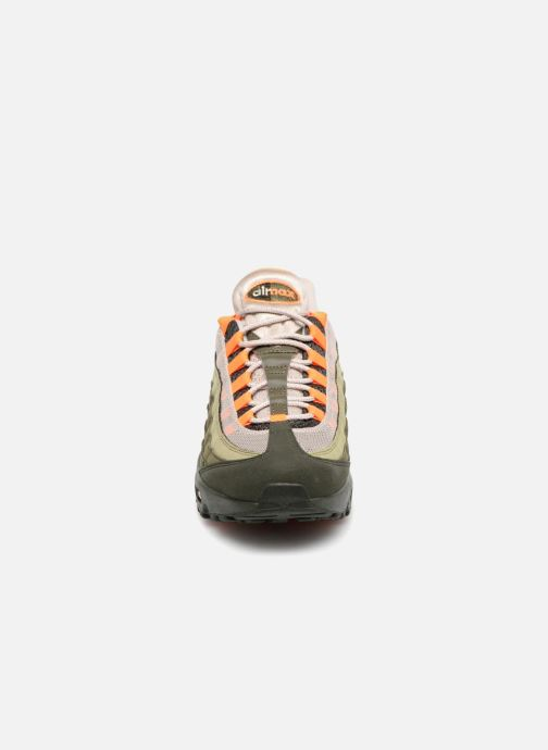 Sneakers Nike Nike Air Max 95 Og Verde modello indossato