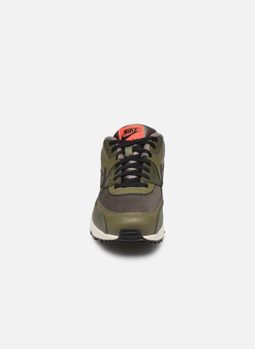 Baskets Nike Nike Air Max 90 Essential Vert vue portées chaussures