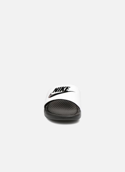 Sandalen Nike Benassi Jdi weiß schuhe getragen