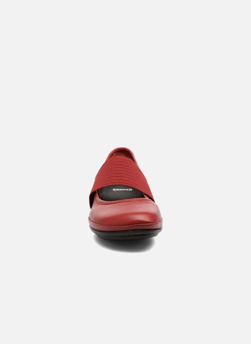 Ballerines Camper Right Nina 21595 Rouge vue portées chaussures