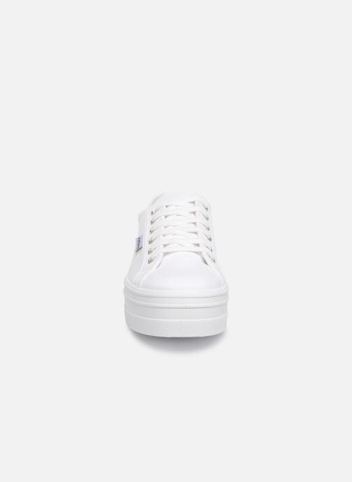 Sneakers Victoria Blucher Lona Plataforma Bianco modello indossato