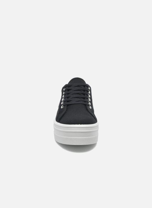 Sneakers Victoria Blucher Lona Plataforma Nero modello indossato