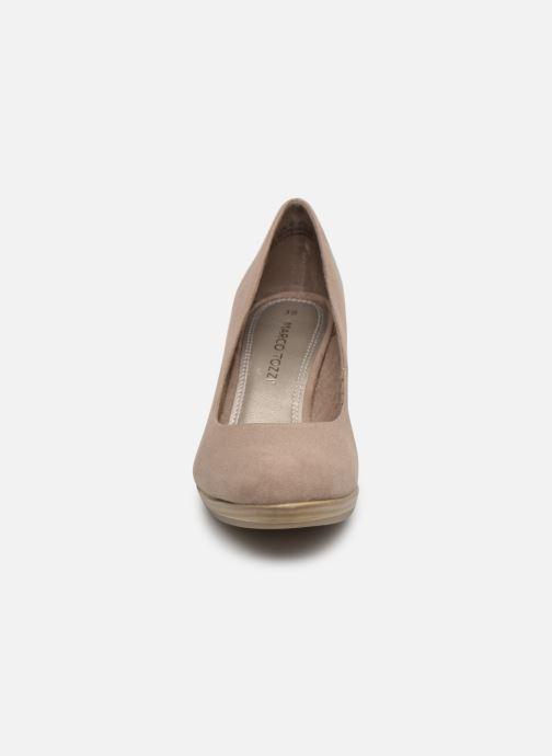 Zapatos de tacón Marco Tozzi Soe Beige vista del modelo