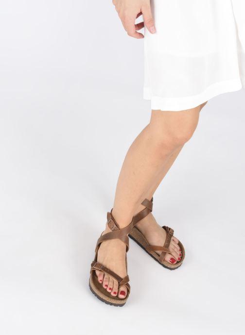 Sandali e scarpe aperte Birkenstock Yara Cuir W Marrone immagine dal basso