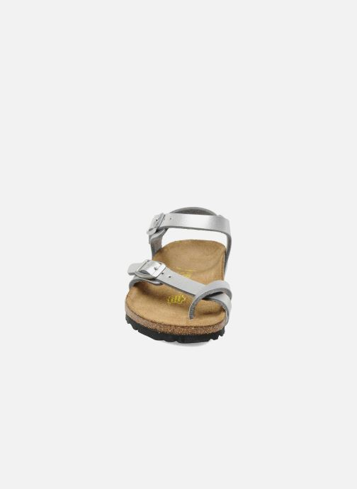 Sandalen Birkenstock Taormina Birko-Flor silber schuhe getragen