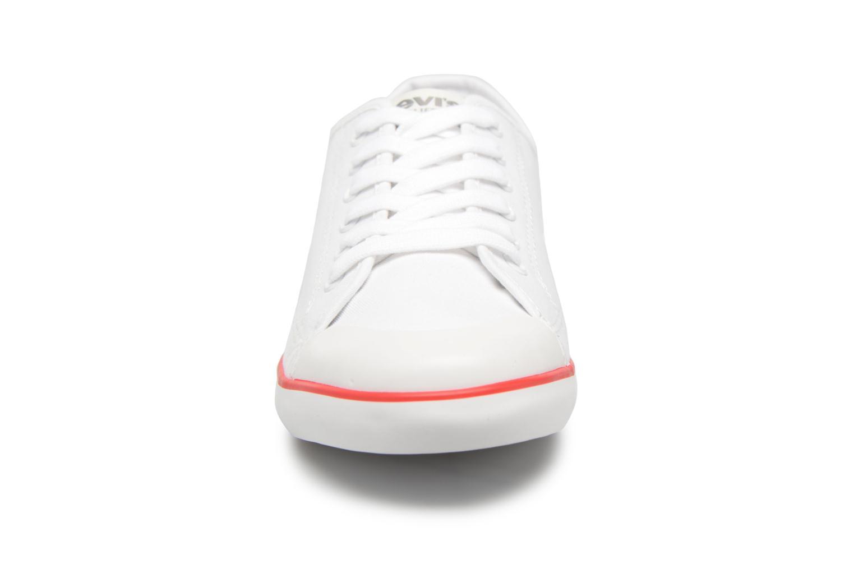 Baskets Levi's VENICE L Blanc vue portées chaussures