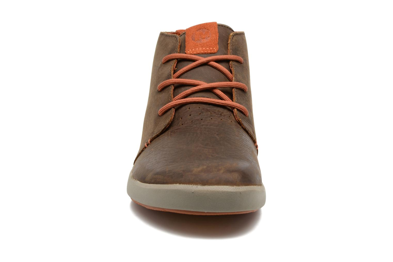 Baskets Merrell Freewheel Chukka Marron vue portées chaussures