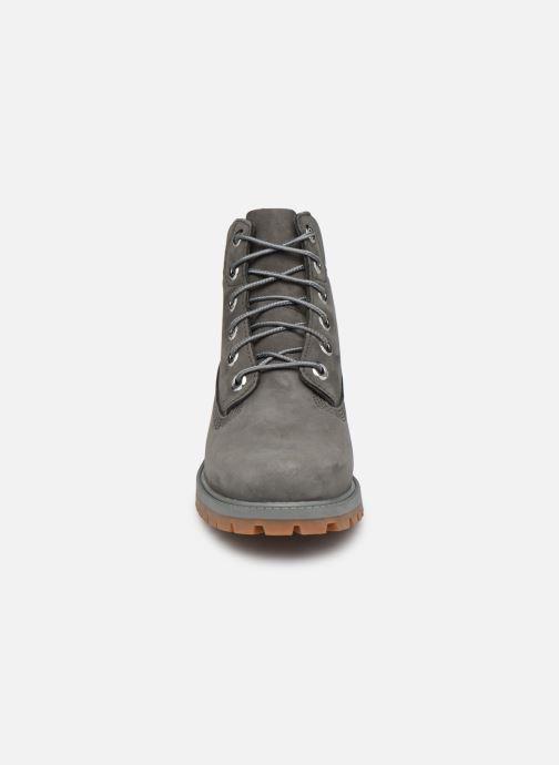 Stivaletti e tronchetti Timberland 6 In Premium WP Boot Grigio modello indossato