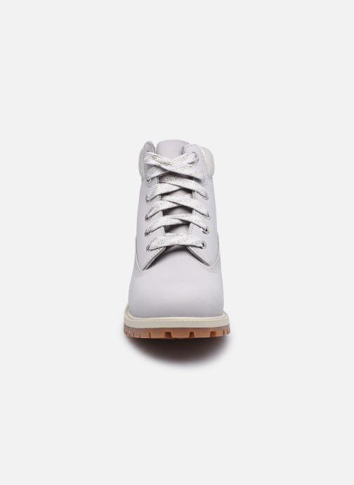 Stivaletti e tronchetti Timberland 6 In Premium WP Boot Argento modello indossato