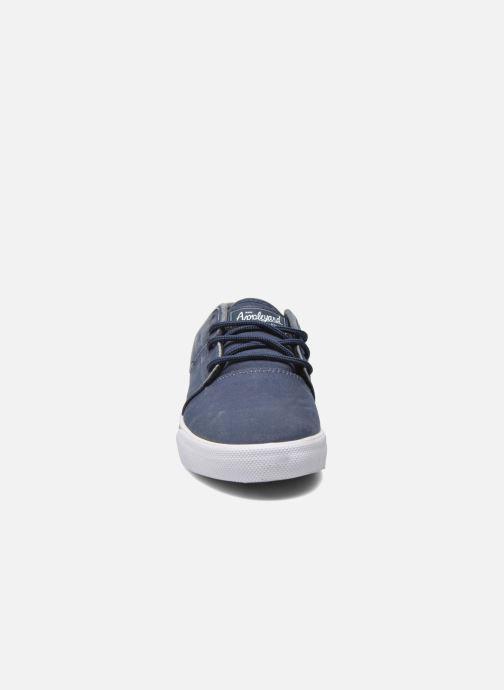 Chaussures de sport Globe MAHALO Bleu vue portées chaussures