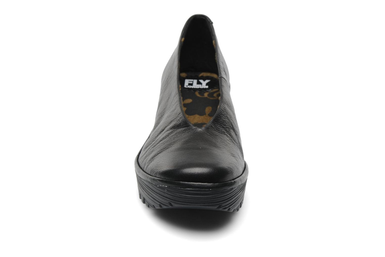 Escarpins Fly London Yaz Noir vue portées chaussures