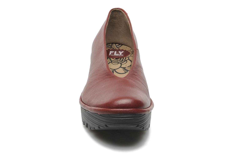 Escarpins Fly London Yaz Bordeaux vue portées chaussures