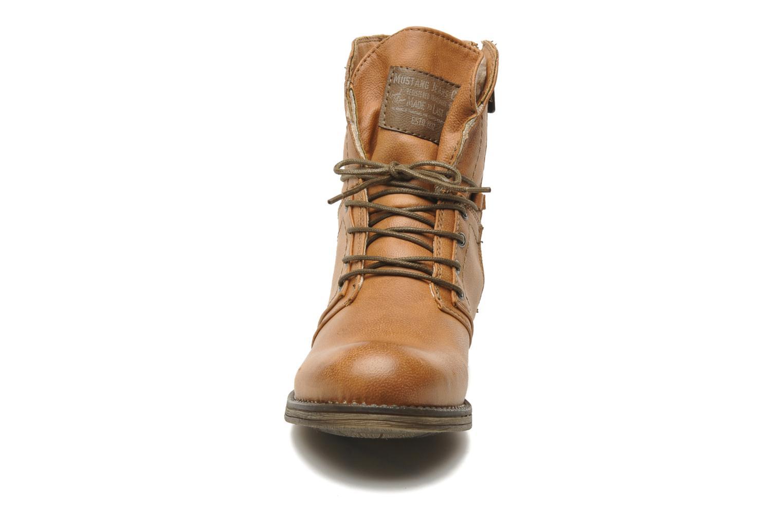 Bottines et boots Mustang shoes Irina Marron vue portées chaussures