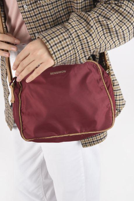 Handtaschen Bensimon Small Besace weinrot ansicht von unten / tasche getragen
