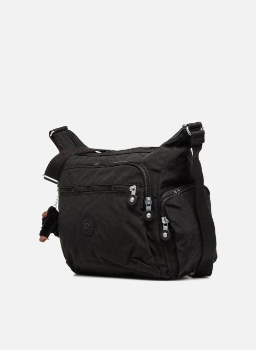 Handtaschen kipling Gabbie schwarz schuhe getragen
