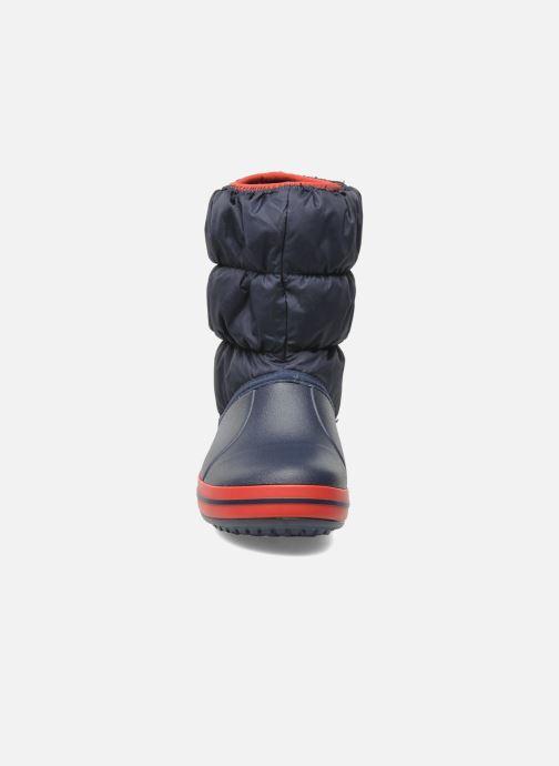 Stivaletti e tronchetti Crocs Winter Puff Boot Kids Azzurro modello indossato