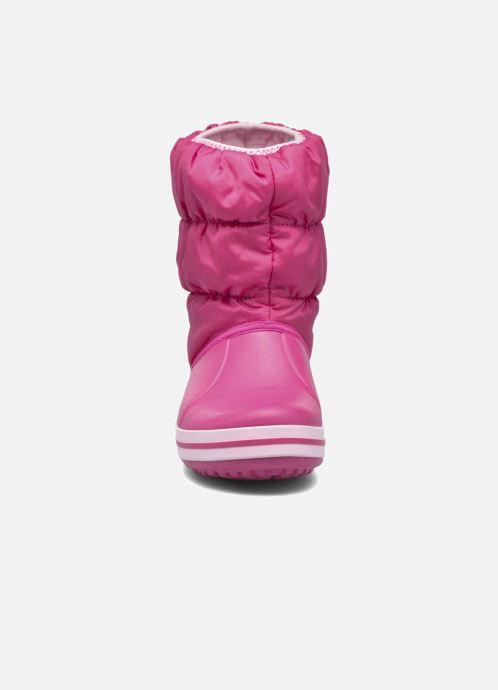 Botines  Crocs Winter Puff Boot Kids Rosa vista del modelo