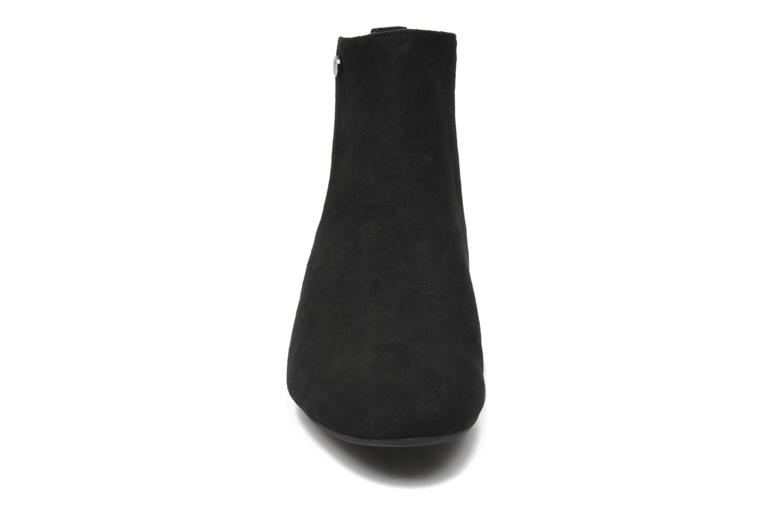 Ankle boots JB MARTIN Galway Black model view