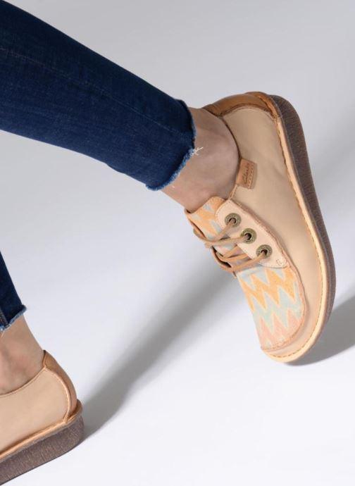 Chaussures à lacets Clarks Funny Dream Beige vue bas / vue portée sac