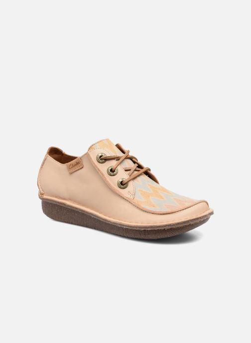 Chaussures à lacets Clarks Funny Dream Beige vue détail/paire