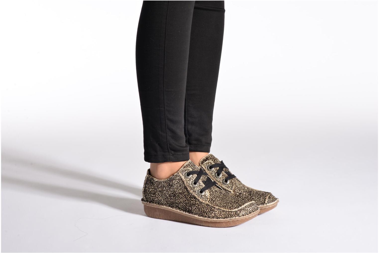 Chaussures à lacets Clarks Funny Dream Gris vue bas / vue portée sac