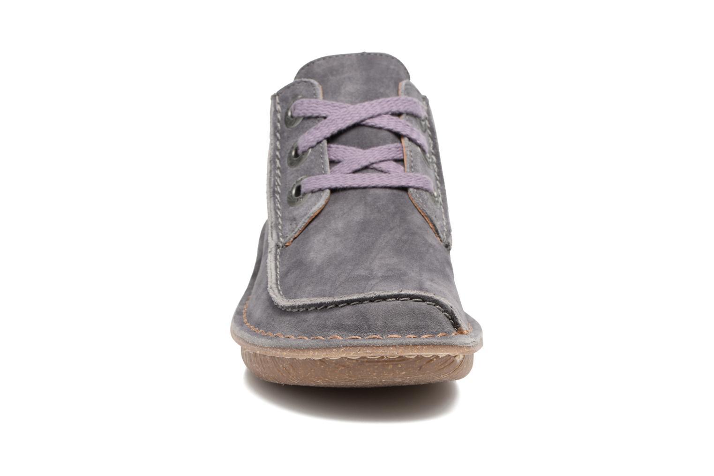 Chaussures à lacets Clarks Funny Dream Gris vue portées chaussures