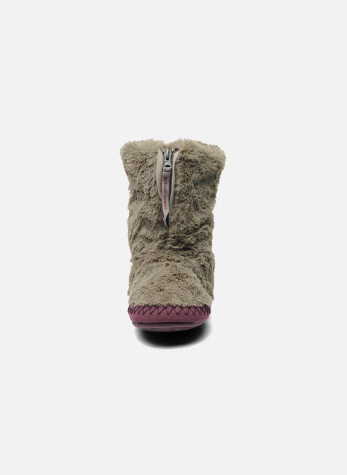 Chaussons BEDROOM ATHLETICS Monroe Gris vue portées chaussures