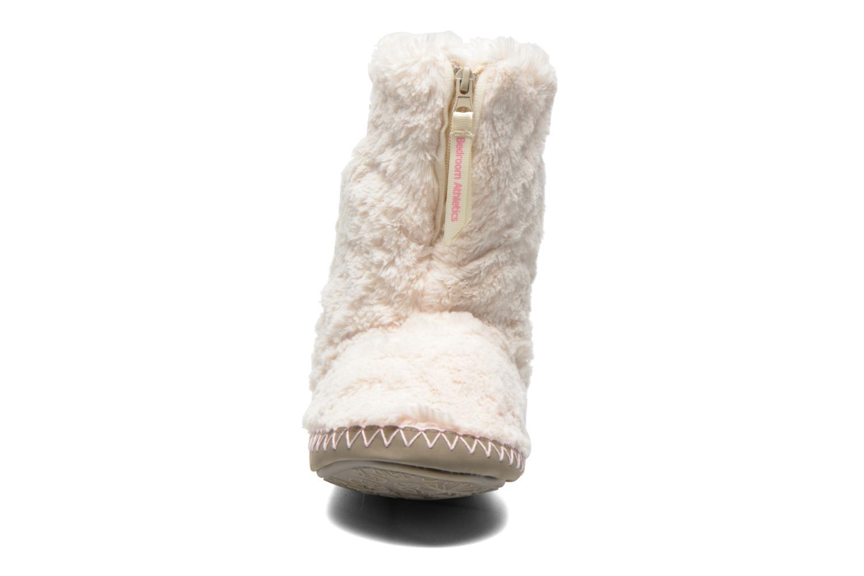Chaussons BEDROOM ATHLETICS Monroe Beige vue portées chaussures
