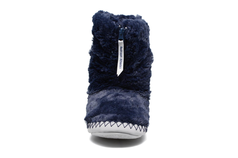 Pantuflas BEDROOM ATHLETICS Monroe Azul vista del modelo