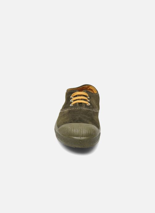 Sneakers Bensimon Tennis Suedes Unies E Marrone modello indossato