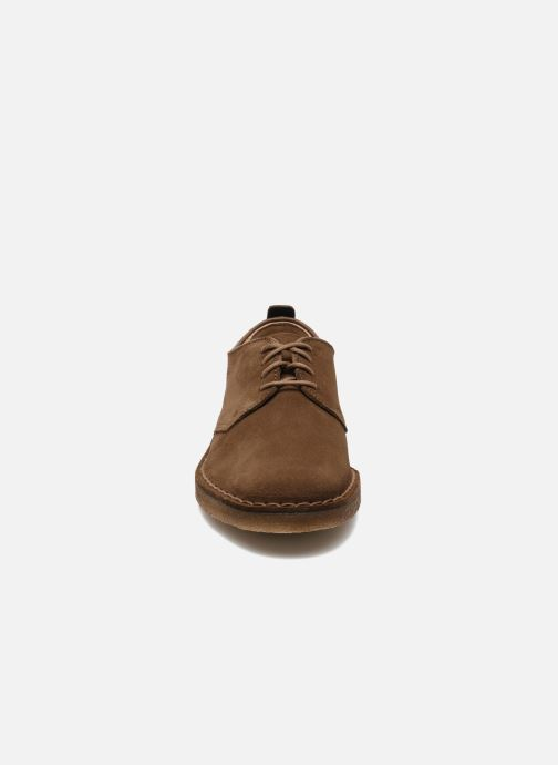 Veterschoenen Clarks Originals Desert London Bruin model
