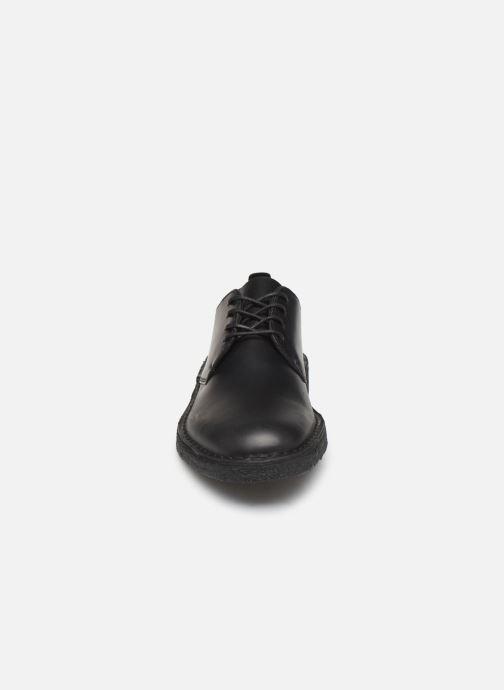 Schnürschuhe Clarks Originals Desert London schwarz schuhe getragen