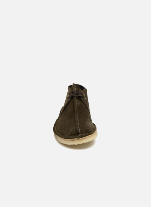Chaussures à lacets Clarks Originals Desert Trek M Vert vue portées chaussures