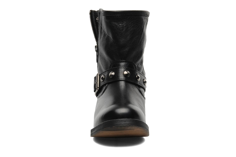 Bottines et boots Buffalo Biman Noir vue portées chaussures
