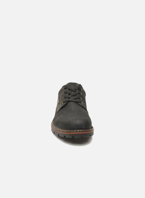 Scarpe con lacci Rieker Triol 17710 Nero modello indossato