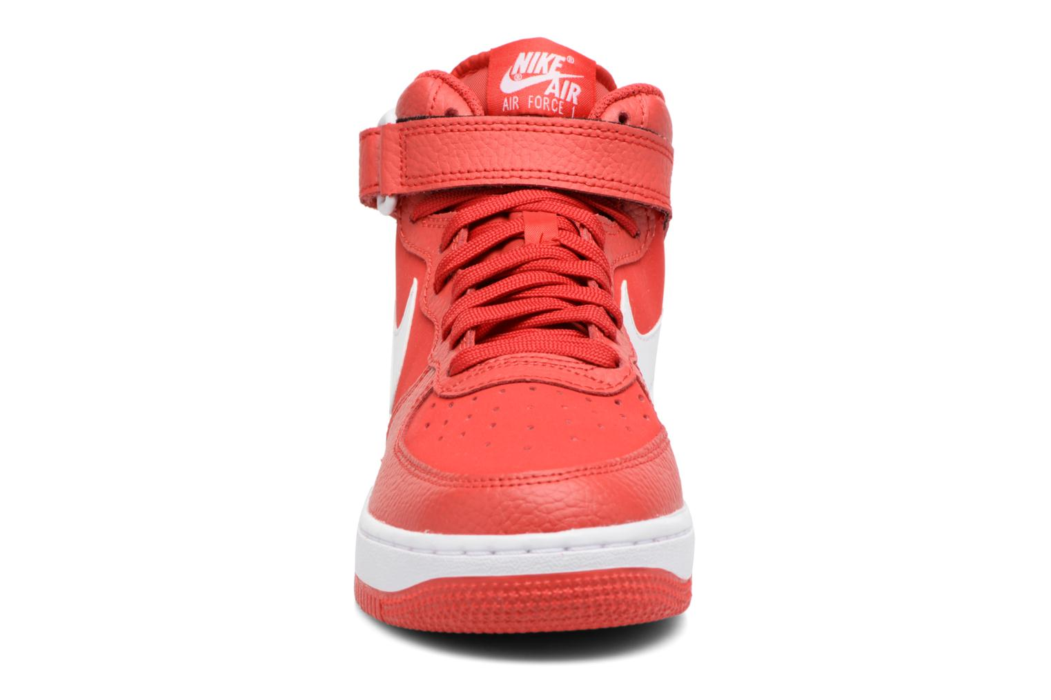Baskets Nike Air Force 1 Mid (Gs) Rouge vue portées chaussures