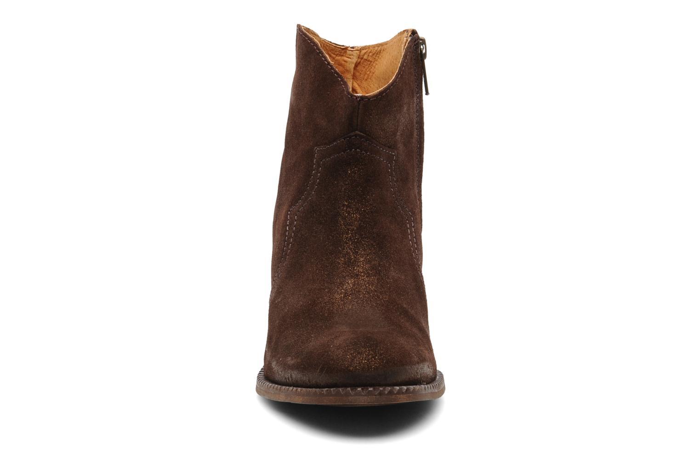 Bottines et boots Eden Celil Marron vue portées chaussures