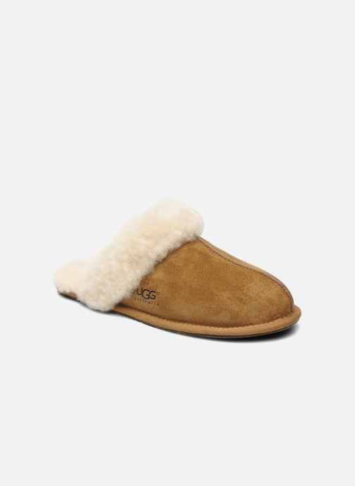 Slippers UGG Scuffette II Brown detailed view/ Pair view