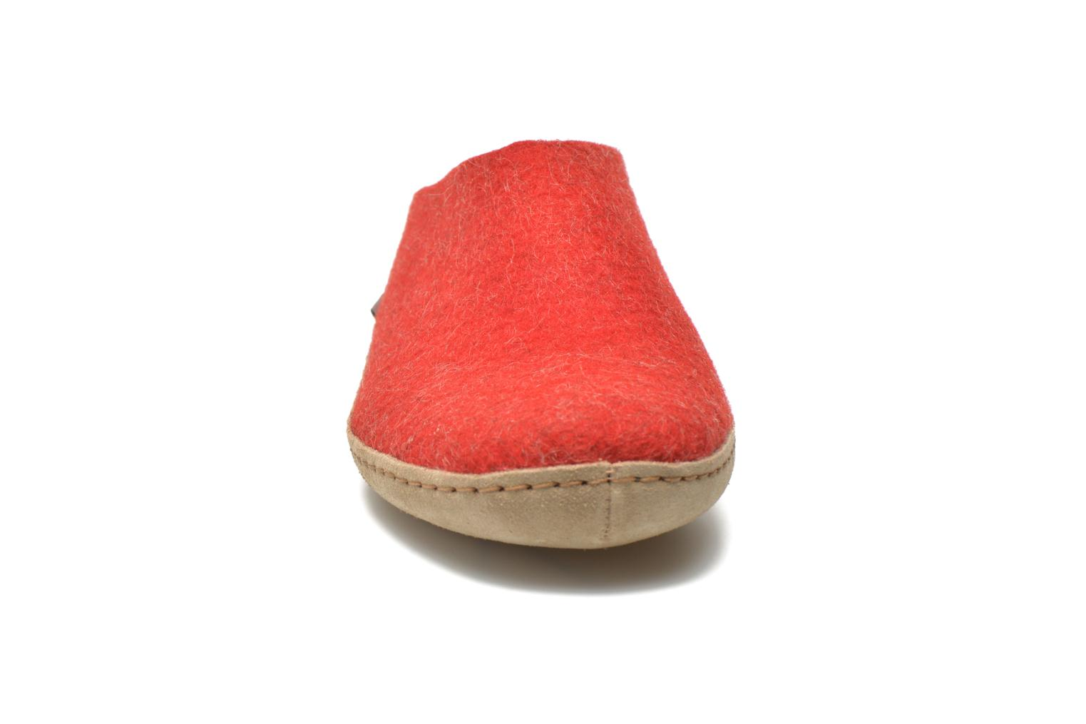 Chaussons Glerups Piras W Rouge vue portées chaussures