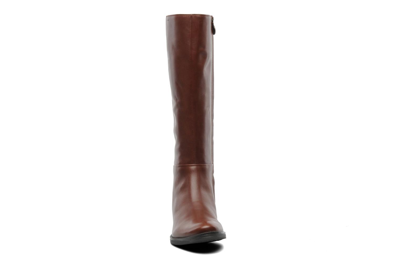 Bottes Geox D MENDI ST P D3490P Marron vue portées chaussures