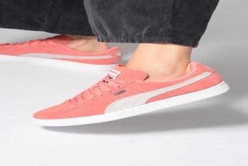 Sneaker Puma Suede Classic Wn's grau ansicht von unten / tasche getragen