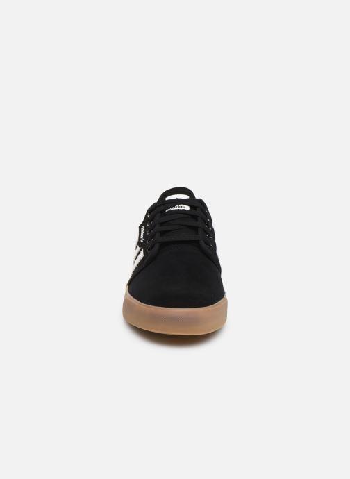 Baskets adidas originals Seeley Noir vue portées chaussures