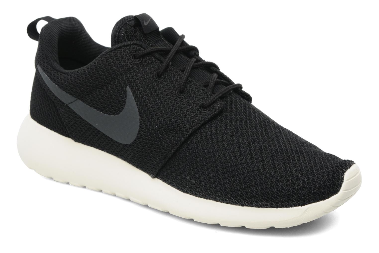 Baskets Nike Nike Roshe One Noir vue détail/paire