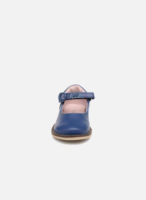 Ballerines Kickers MODESTY Bleu vue portées chaussures