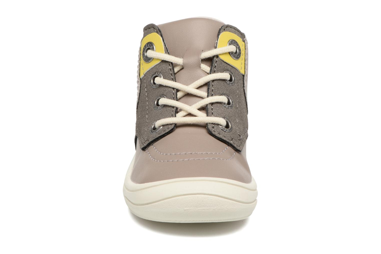 Baskets Kickers ZELIG Marron vue portées chaussures